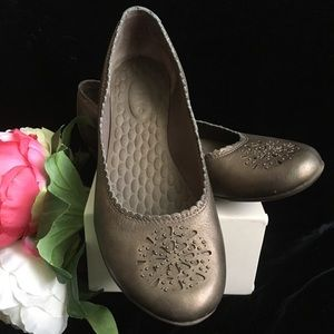 Clarks Privo Bronze Leather Flats - Sz 8